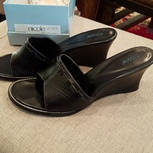 GUC Nicole Wedge Heel Black Sandals 10M